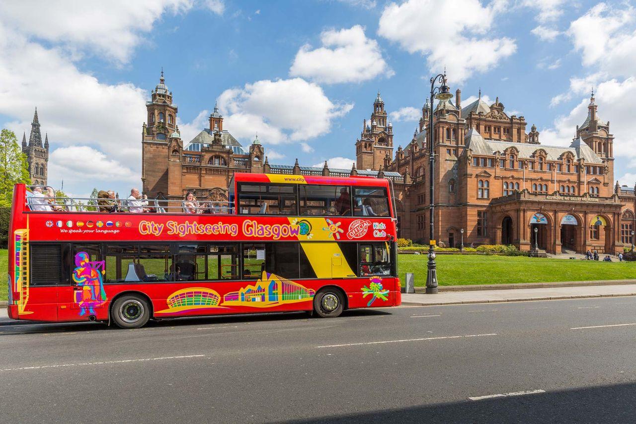 Fick bus on tour