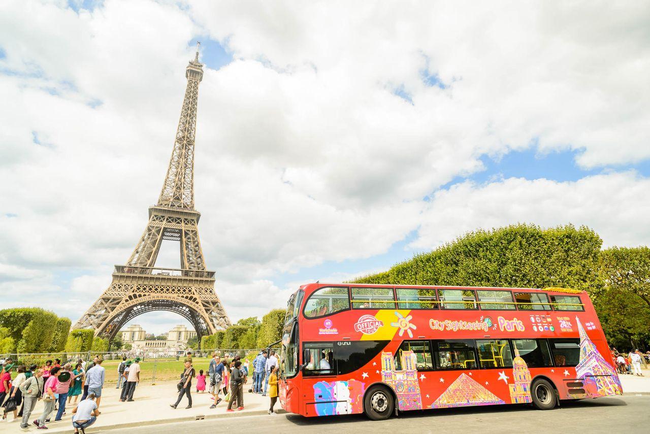 hop on hop off paris by big bus city sightseeing. Black Bedroom Furniture Sets. Home Design Ideas