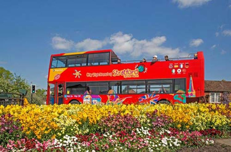 Hop-on/Hop-off-Bustour Stratford-upon-Avon