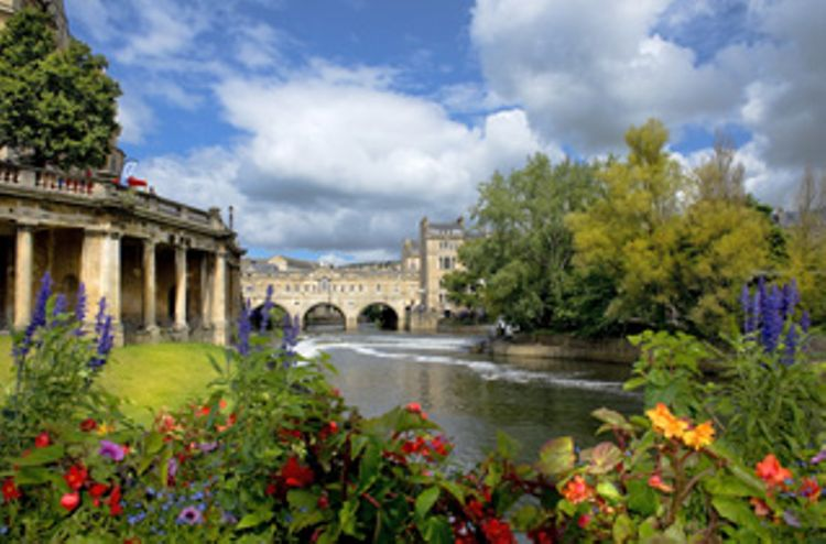 Stonehenge and Bath - Day Tour from London
