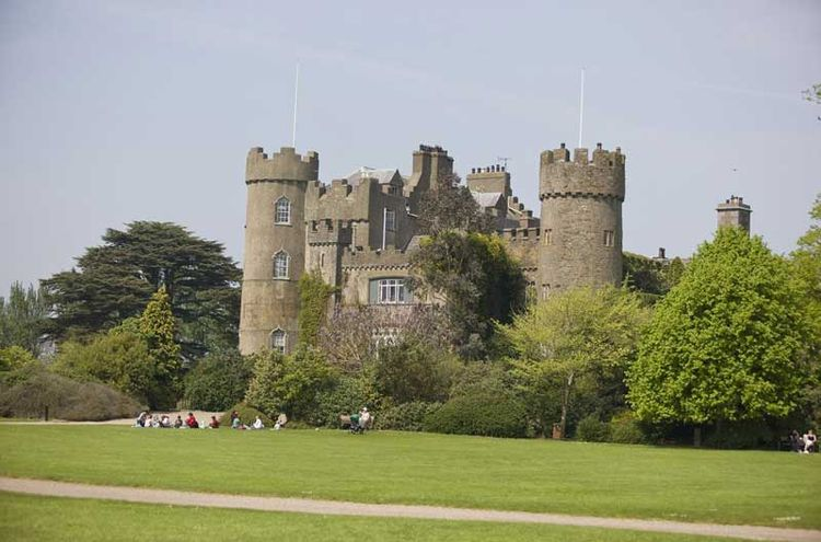 Malahide Castle & Northern Coastal Tour + Hop On Hop Off Bus Tour